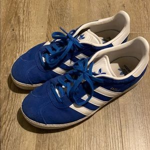 Adidas Gazelle Youth size 4.5 in royal blue